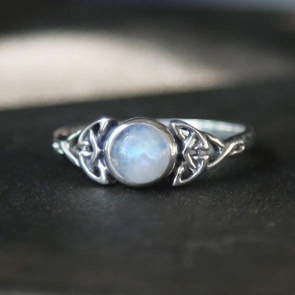 SIZE 5 (LAST ONE) - Rainbow Moonstone 'Alvilda' Ring - Sterling Silver
