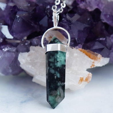 Natural gemstone crystals crystal Emerald necklace