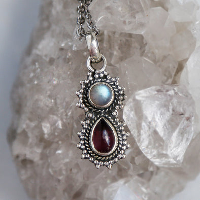 Yara Necklace - Rainbow Moonstone & Garnet