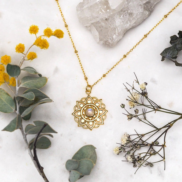 Snowflake Mandala Moonstone Necklace - 18K Gold Vermeil