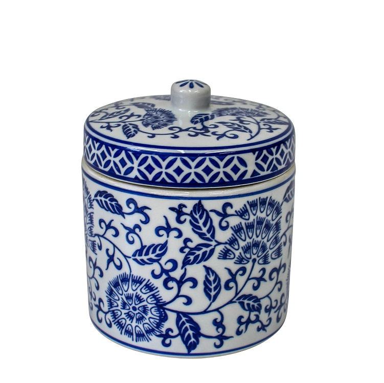 masiie-clare-Arozzo-Blue-and-White-Jar-with-Lid-Hampton-Style-interior