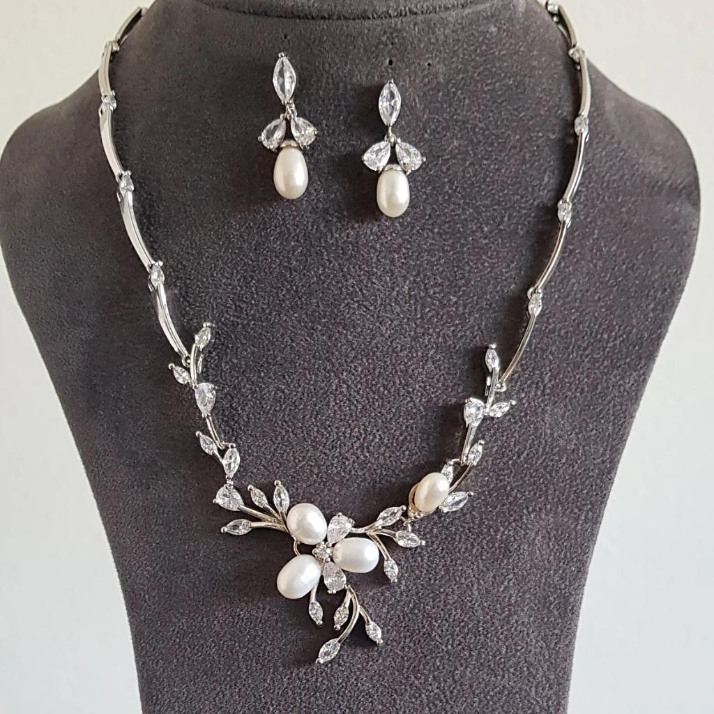 Claire Freshwater pearl Necklace Set - Olivier Laudus Wedding Jewellery