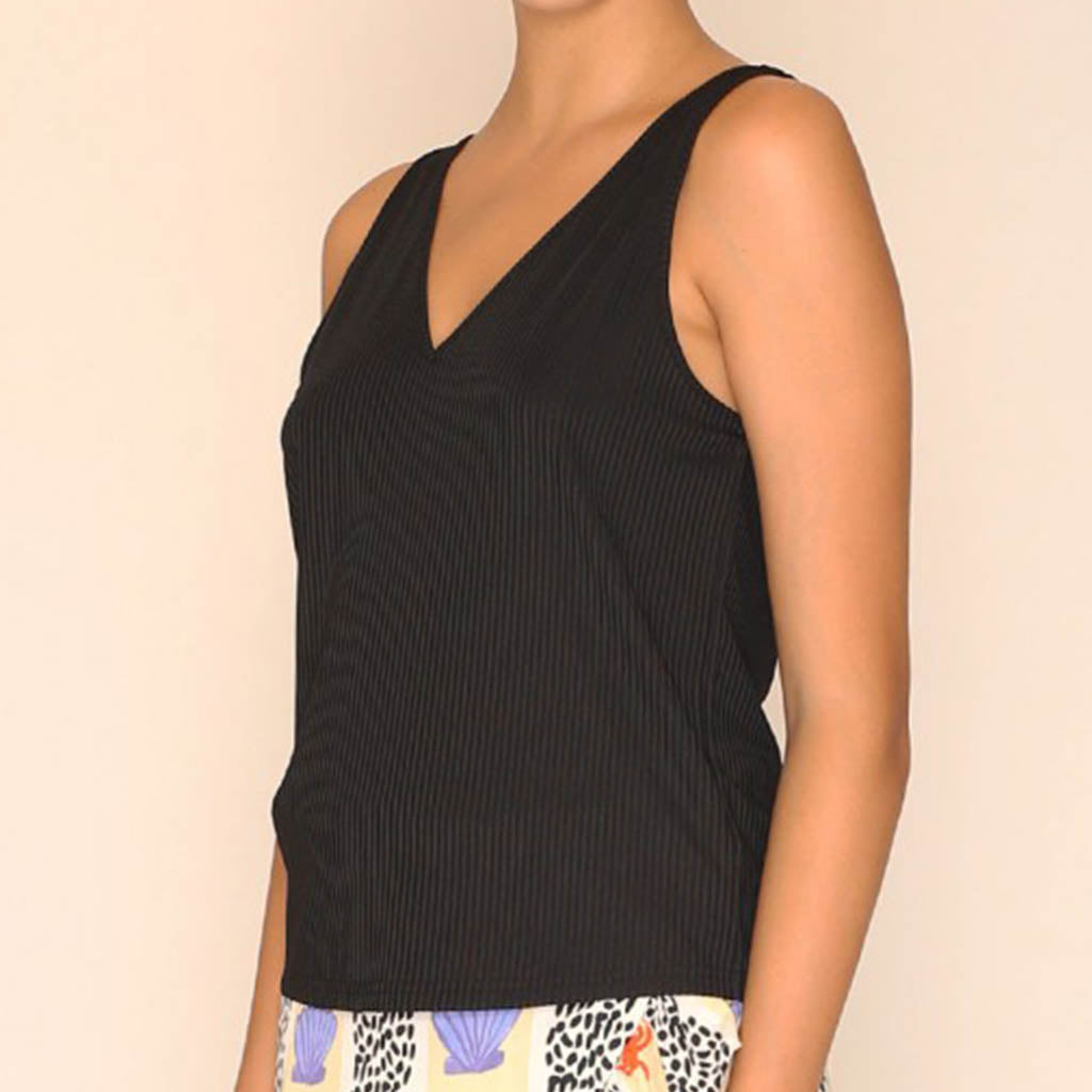 vegan en fairtrade zwarte top - Top Emily Black model - Papita.nl