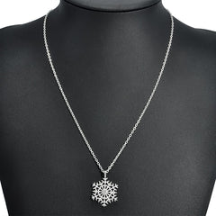 Stylish Silver Plated Snowflake Pendent Necklace