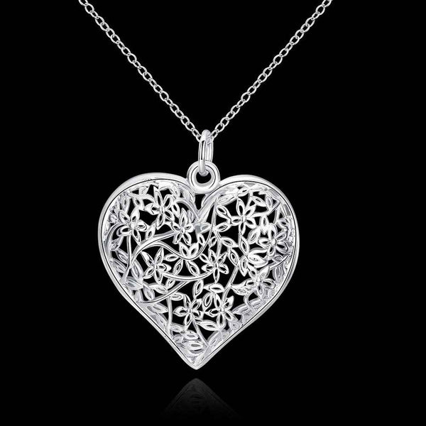 Beautifully Detailed Heart Shaped Necklace