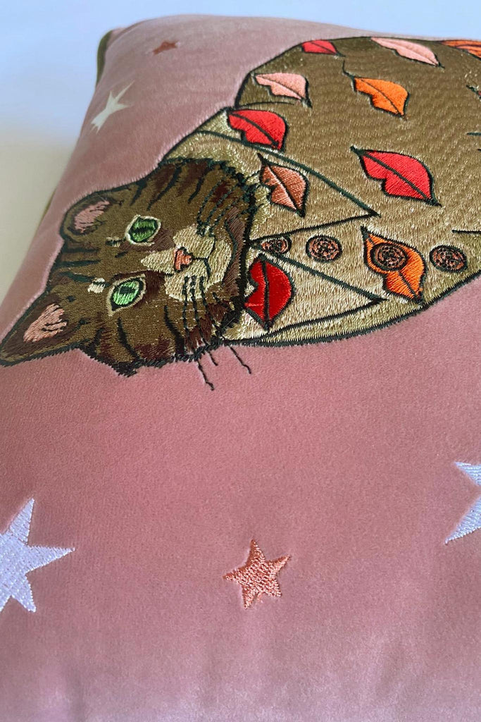 Fashion Cat Embroidered Velvet Cushion Cover | Lips