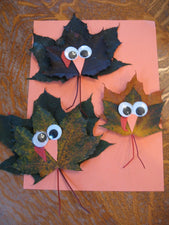 Super Cute Maple Leaf Turkey Crafts for Thanksgiving!