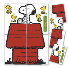Giant Character Snoopy & Dog House Bulletin Board Set