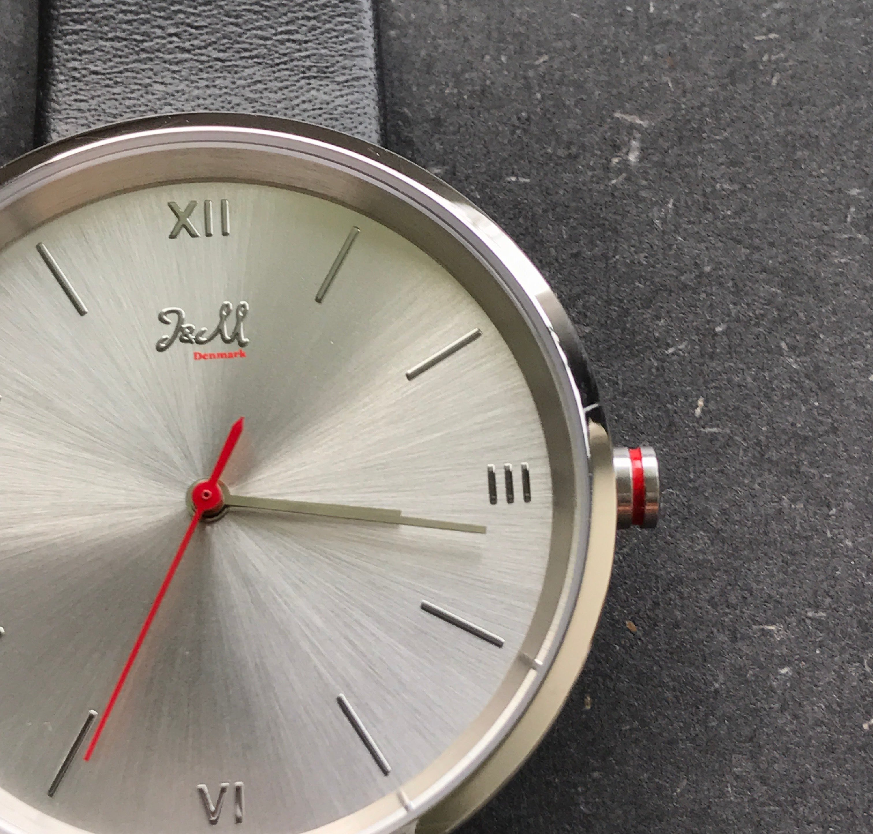 The red details in J&M watches