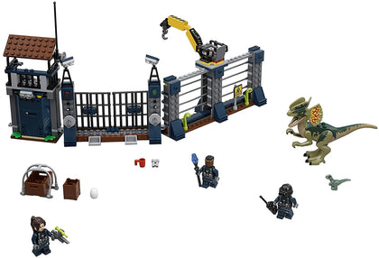 LEGO Jurassic World - Dilophosaurus Outpost Attack (75931) Building Toy