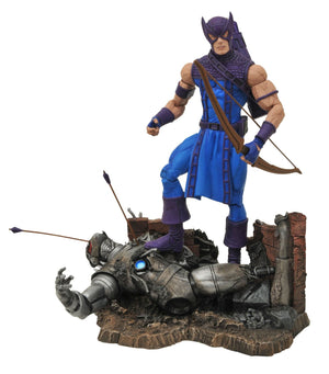 Diamond Select Toys - Marvel Select - Classic Hawkeye Figure