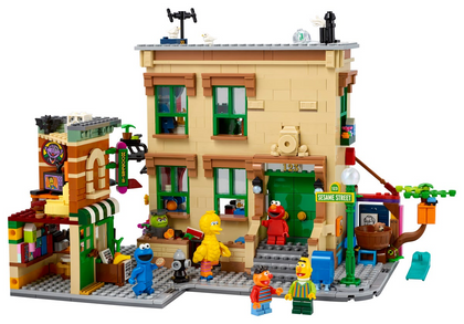LEGO Ideas #032 - 123 Sesame Street (21324) Building Toy