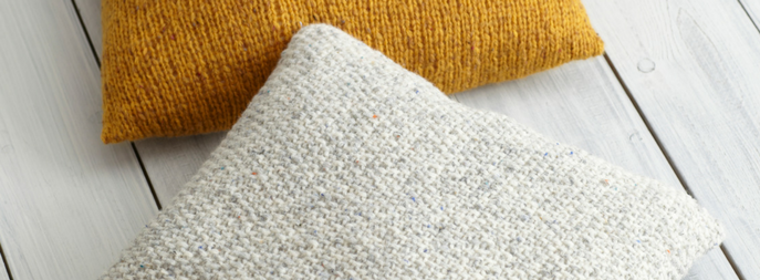 Chunky Knitted Cushion Free Pattern Deramores