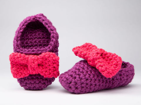 Bow Tie Slippers by Zoë Potrac in Stylecraft Special XL Super Chunky