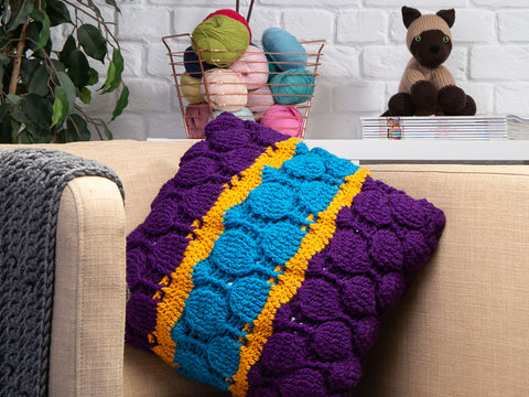 Bubble Stitch Cushion by Zoë Potrac in Stylecraft Special Chunky