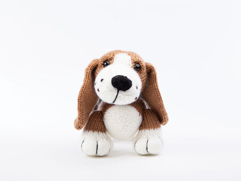 Basset Hound - Dera-Dogs Knitting Digital Pattern in Deramores Yarn