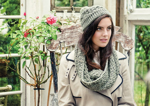 Crochet Cowl and Hat in Deramores Vintage Chunky (2007)-Deramores