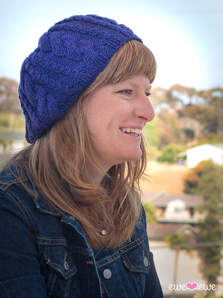 Casual Cable Slouch Hat in Ewe Wooly Worsted (222)