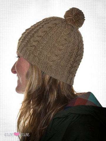 Downhill Diva Cable Cap in Ewe So Sporty Merino (402)-Deramores