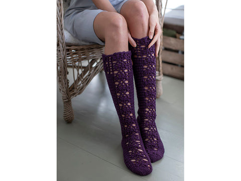 Aronia Crocheted Socks in Novita 7 Veljestä
