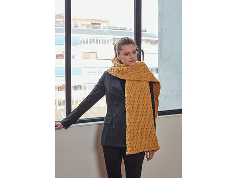 Scarf in Hayfield Bonus Chunky (8210)