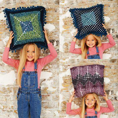 Cushion Crochet Kit and Pattern in Stylecraft Yarn (9487)