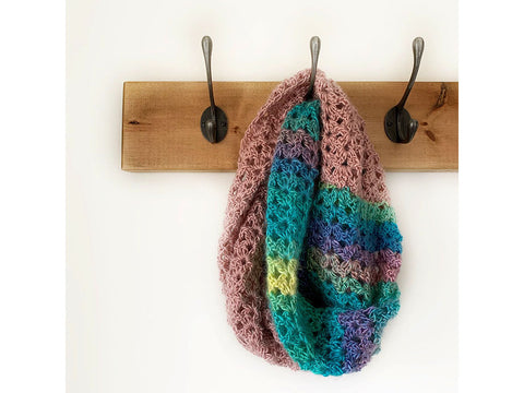 Harmony Cowl Crochet Kit and Pattern in Cygnet Yarn