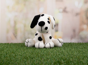 Amigurumi Dakota the Dalmatian Deradog by Heather C. Gibbs in Deramores Studio DK