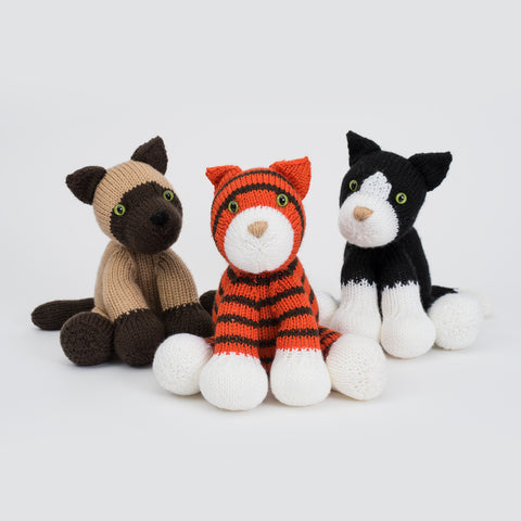 Dera-Cats in Deramores Studio DK - By Amanda Berry