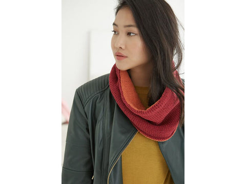 Two-sided Cowl in Lion Brand Feels Like Butta (L70261)