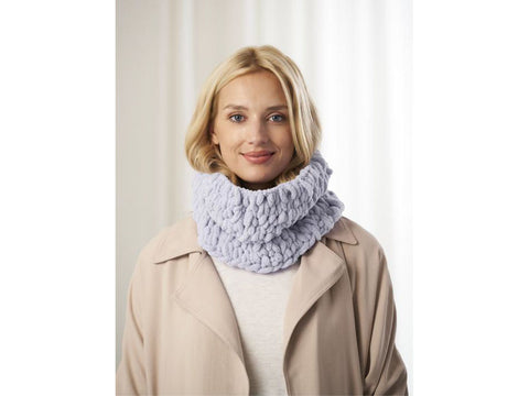 Cambria Cowl Crochet Kit and Pattern in Lion Brand Yarn (L80368)