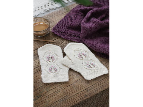 Women's Lace Mittens in Novita Natura