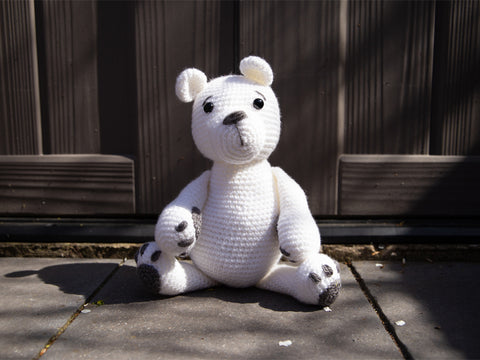 Polar Bear Crochet Kit and Pattern in Deramores Yarn