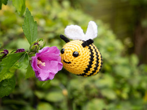 Bertie the Bee Crochet Kit and Pattern in Deramores Yarn
