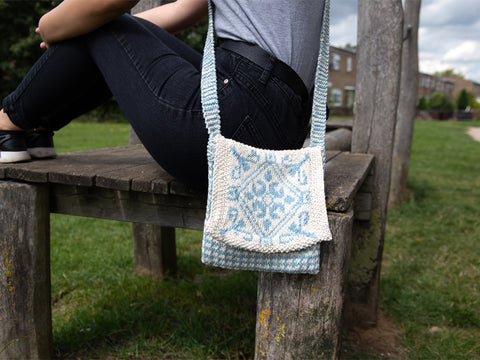 Friesland Messenger Bag Knitting Kit and Pattern in Deramores Yarn