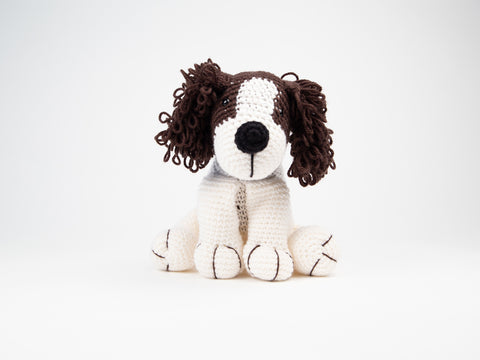 Charlie the Spaniel Dera-Dog Knitting Kit and Pattern in Deramores Yarn