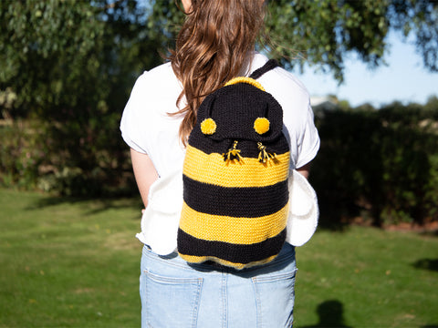 Bee Backpack Knitting Kit and Pattern in Deramores Yarn
