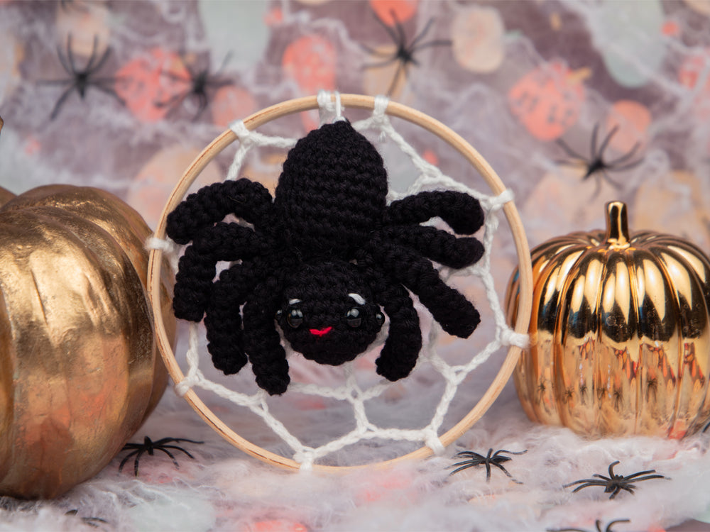 Spider Embroidery Hoop Crochet Kit and Pattern in Deramores Yarn