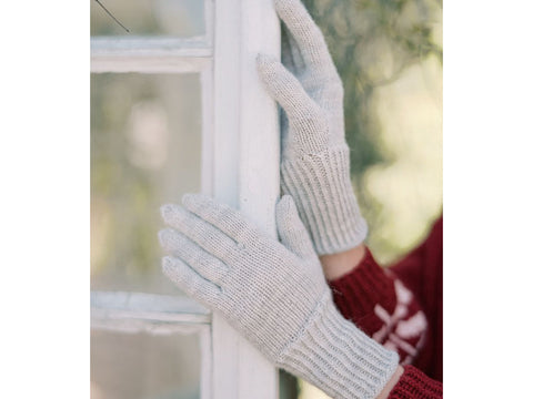 Marja Knitted Gloves in Novita Nalle