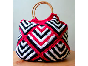 Pink Diesel Bag by Leonie Morgan in Deramores Studio DK