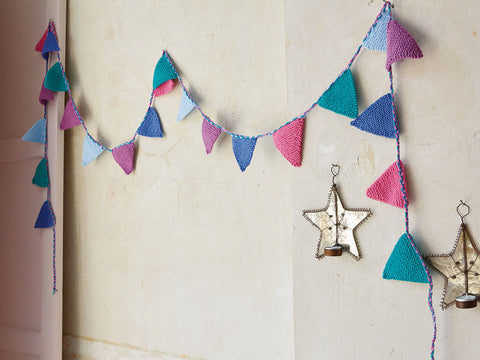 Bunting in Patons Baby Smiles Fairytale Fab Aran