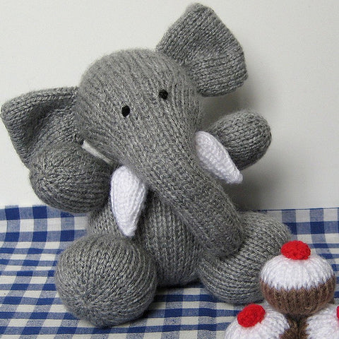 Bloomsbury Elephant in DK by Amanda Berry - Digital Version-Deramores