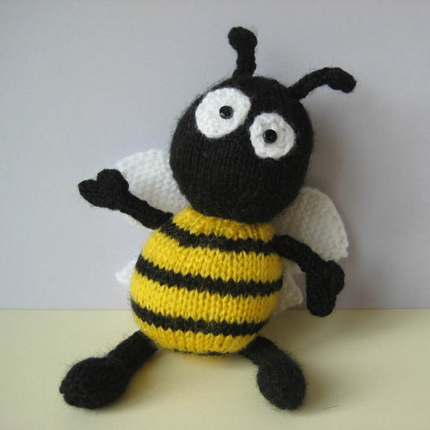 Bumble the Bee in DK by Amanda Berry - Digital Version-Deramores