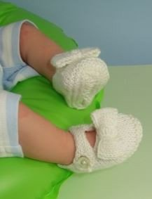 Baby Bow Sandals by MadMonkeyKnits (627) - Digital Version-Deramores