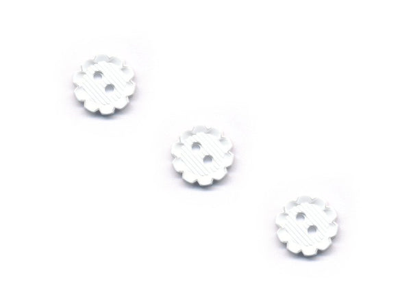 Flower Shaped Buttons - White - 043-Deramores