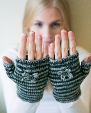 Chic Striped Gloves - Digital Version-Deramores