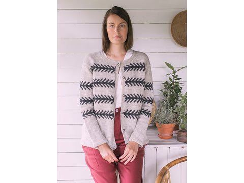 Women's Colourwork Cardigan in Novita Nalle