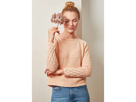 Women's Seamless Sweater in Novita Wool Cotton