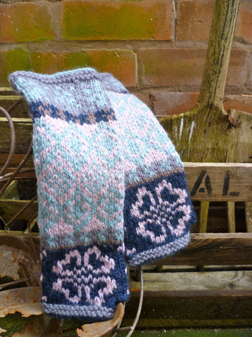Vintage Collection Floral Fairisle Mittens in Erika Knight Vintage Wool - Digital Version
