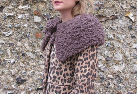 Vintage Collection Fur Capelet in Erika Knight Fur and Maxi Wool - Digital Version